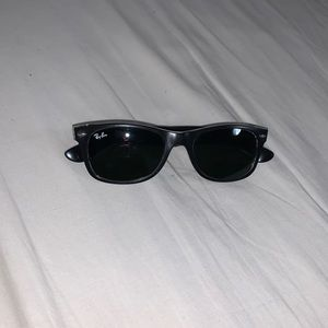 Ray Ban NonPolarized Sunglasses (Non-Prescription)